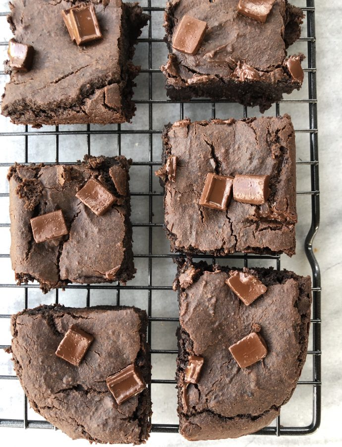 Black Bean Brownies (Gluten-Free, Refined Sugar-Free, Vegan)