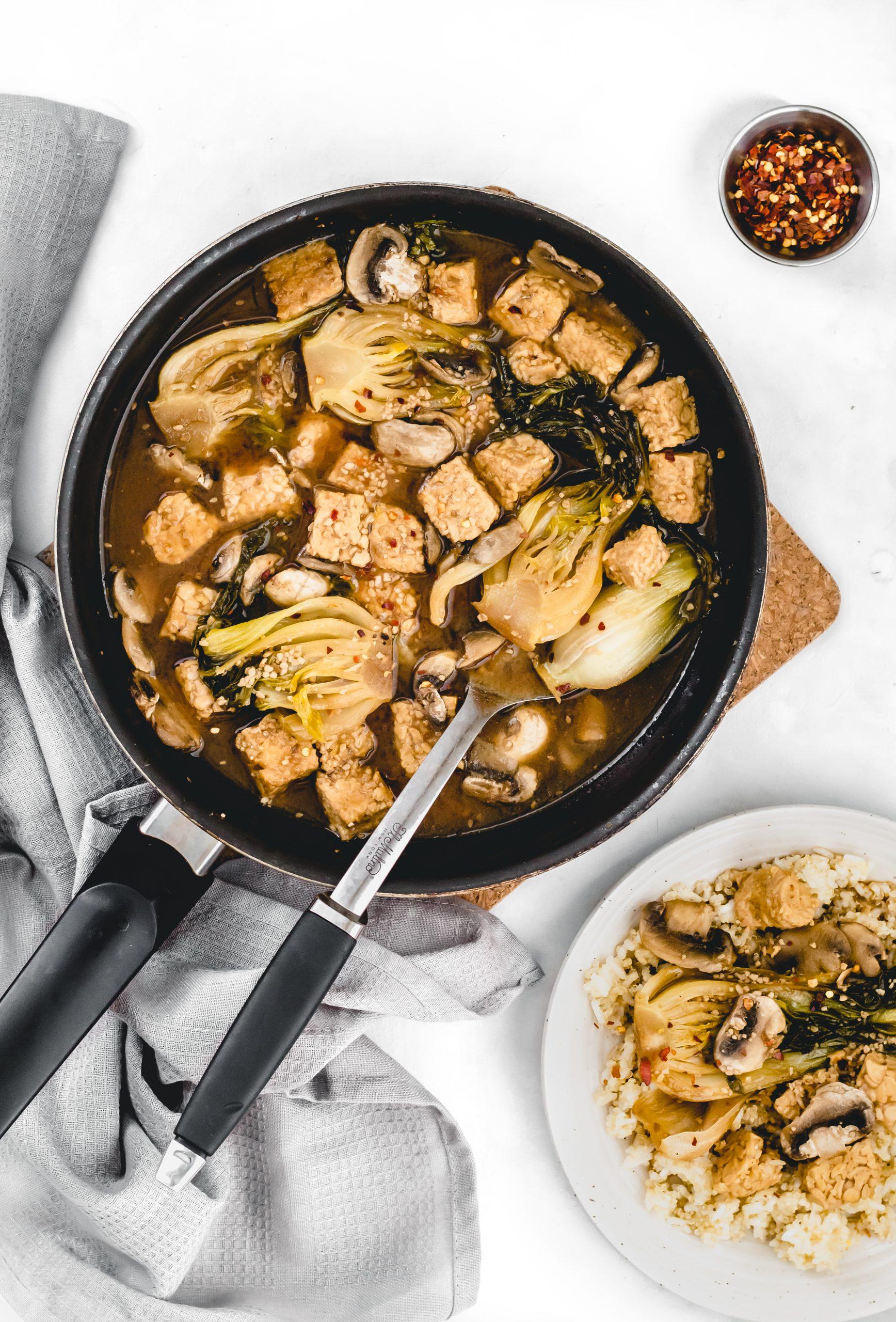 bok choy and tempeh stir fry with garlic sauce