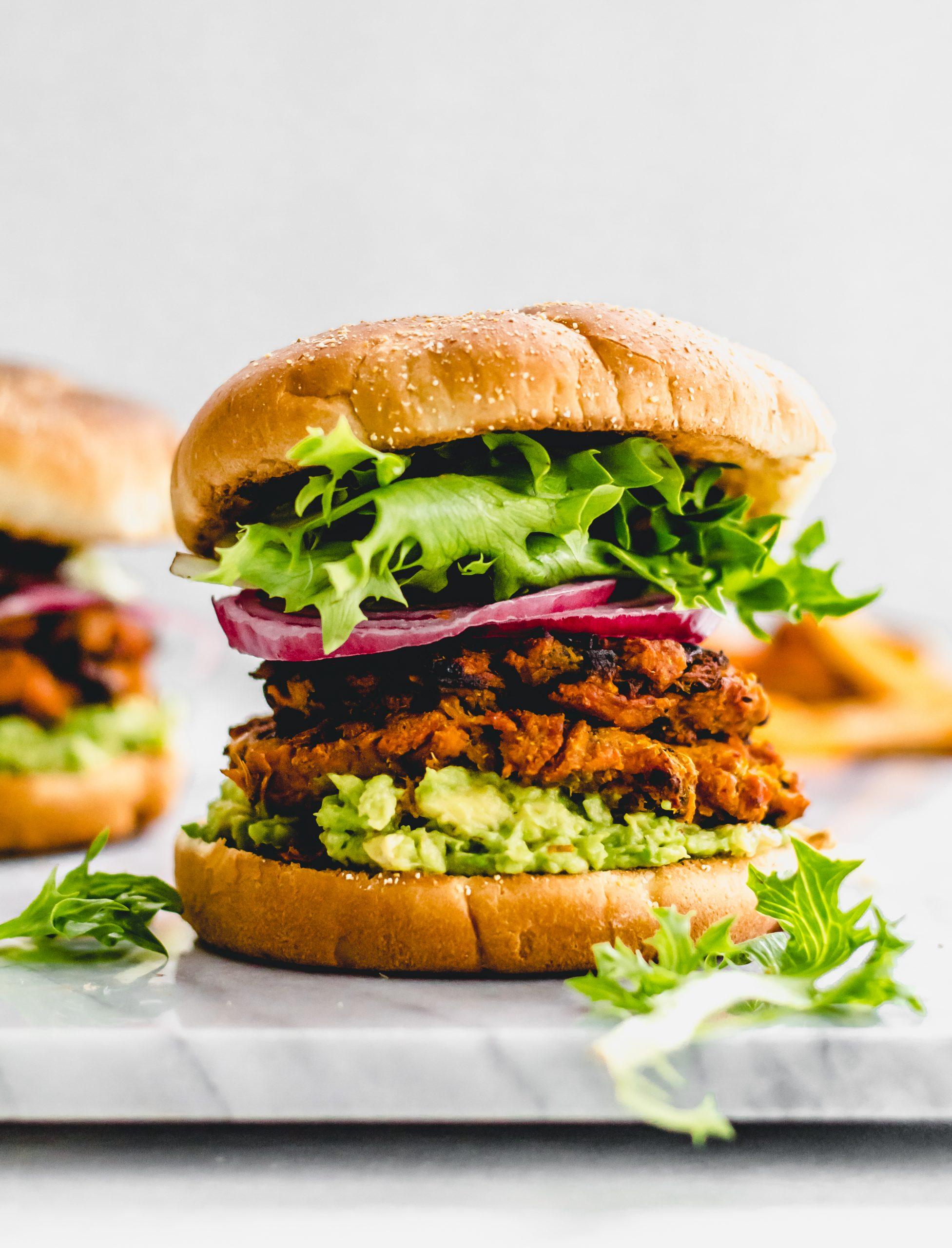spicy sweet potato and black bean veggie burgers